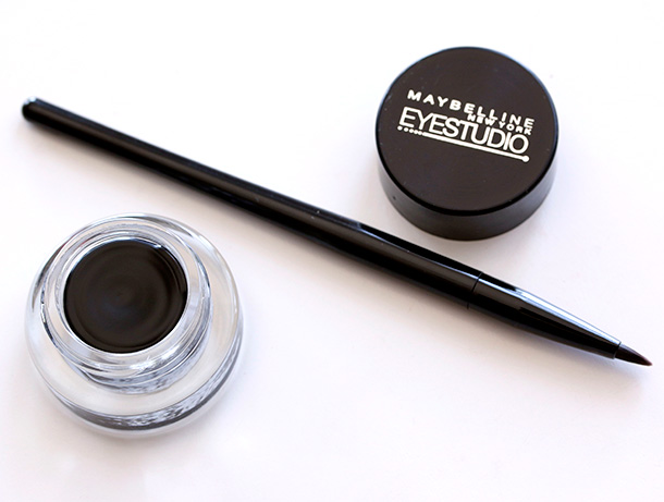 maybelline-blackest-black-lasting-drama-eyestudio-brush